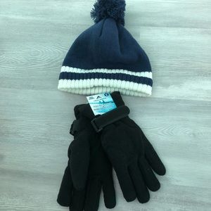 Accessories - NWT Tuke and gloves
